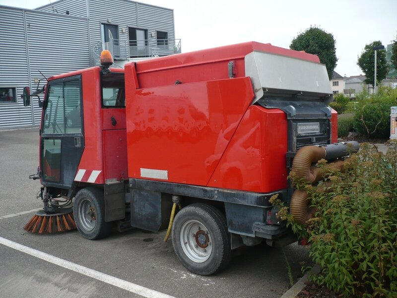 BUCHER City Cat CC 2000 Eurovoirie balayeuse Wiwersheim (2)