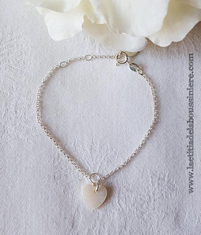 Bracelet Coeur en nacre (sur chaîne argent massif fine) - 24 €