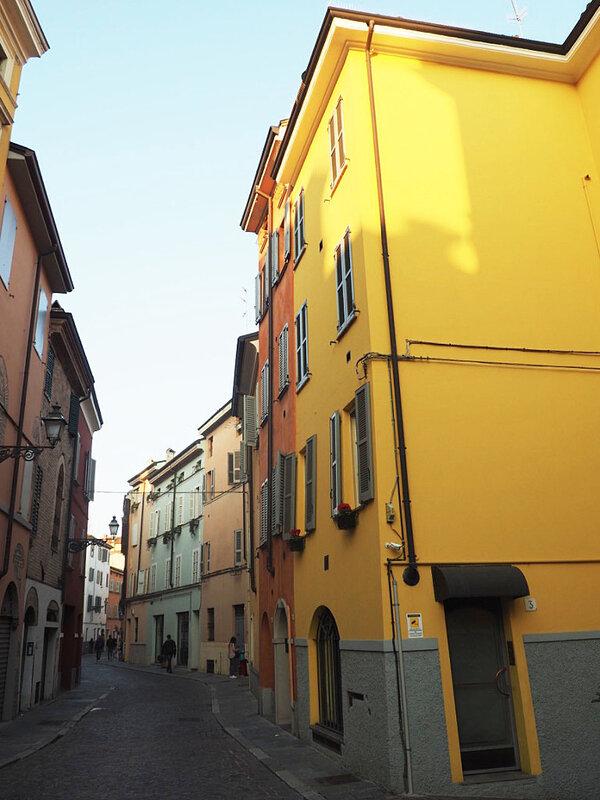 1-roadtrip-italia-parme-ma-rue-bric-a-brac