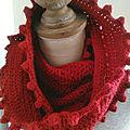 Snood rouge à noppes