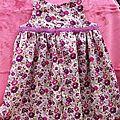 Une jolie robe froncée des intemporels pour bébés